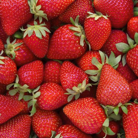 low calorie snacks - strawberries