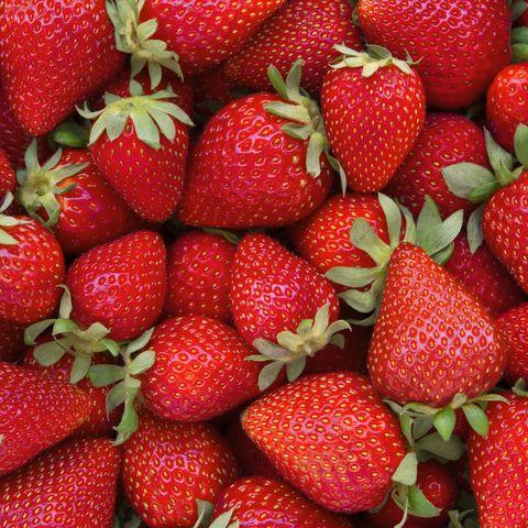 low calorie snacks - strawberries