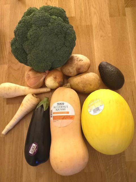 Low plastic supermarket foods