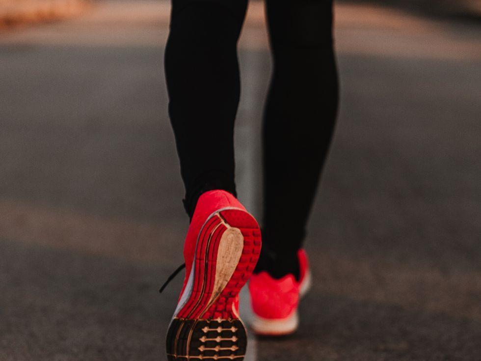 www.runnersworld.com