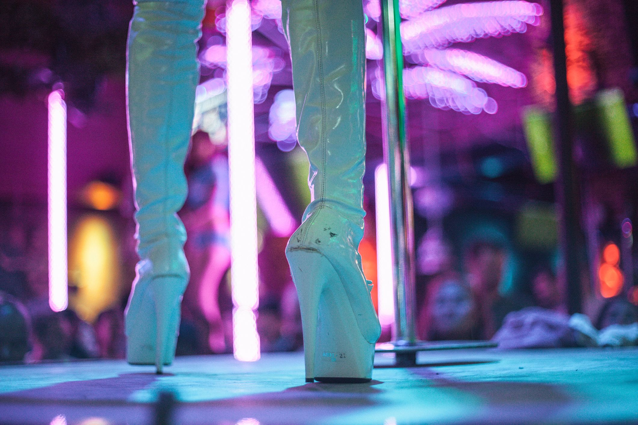 Strippers Are Sharing the Things They Wish They Could Tell Their Customers