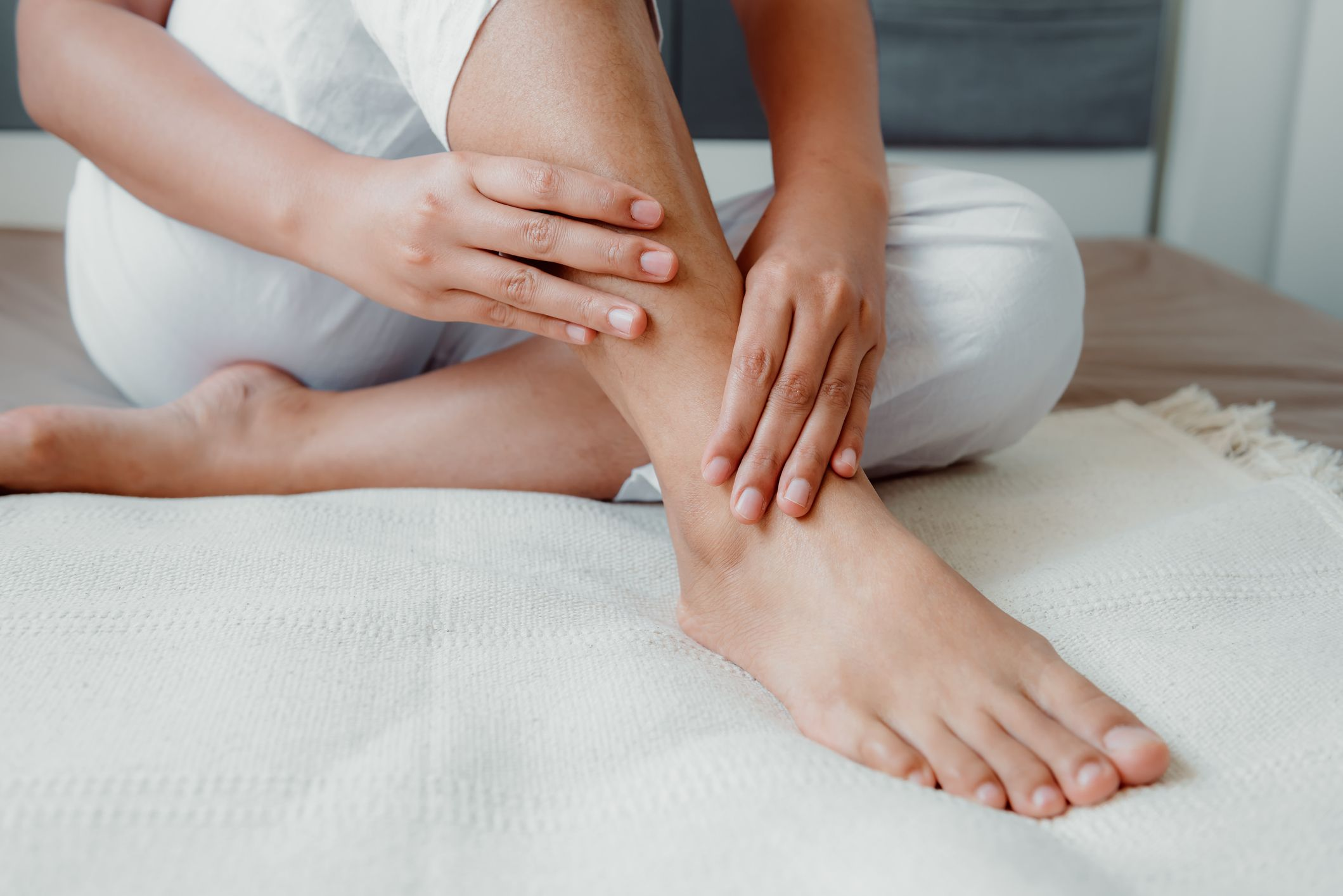 7 Reasons For Tingling In Your Feet Why Are My Feet Tingling