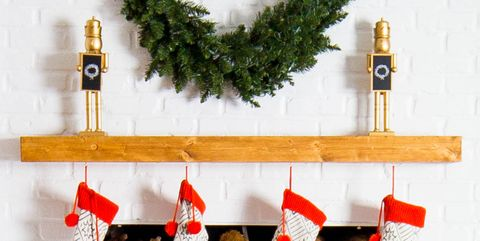 12 Christmas Mantel Decorations Yule Want To Steal Immediately