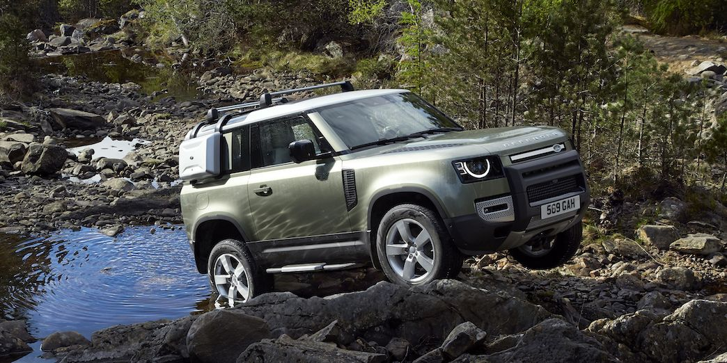 How The 2020 Land Rover Defender Lives Up To Its Off Road Status