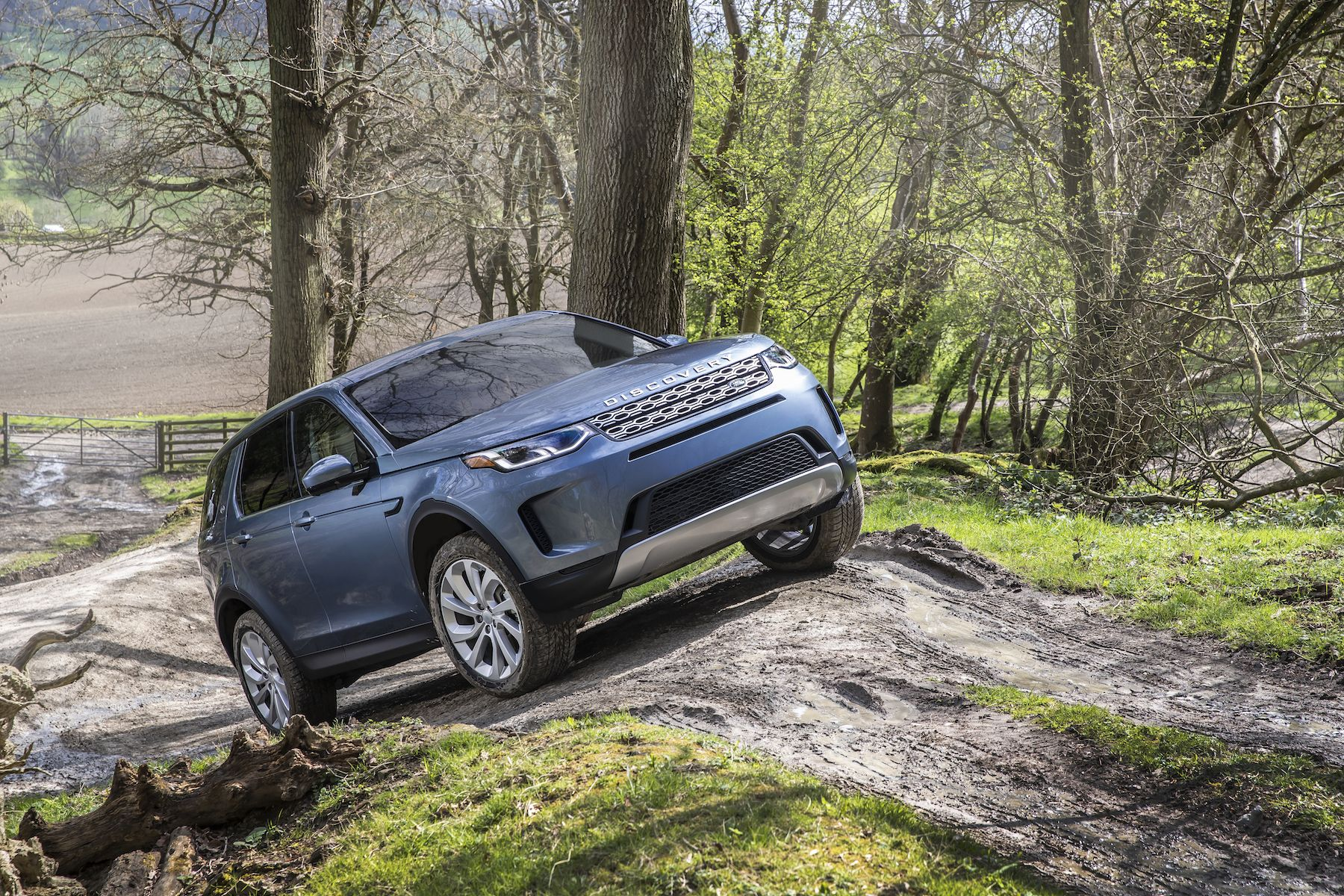 2019 Land Rover Discovery Sport: News, Design, Specs, Price >> The 2020 Land Rover Discovery Sport Adds Style And A Hybrid