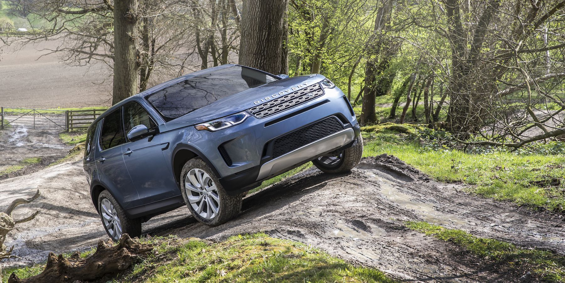The 2020 Land Rover Discovery Sport Adds Style and a Hybrid Model