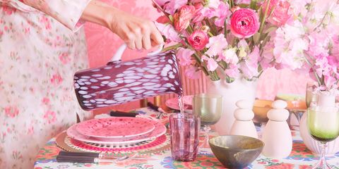 Pink, Flower, Spring, Peach, Table, Plant, Room, Tablecloth, Rose, Tableware,