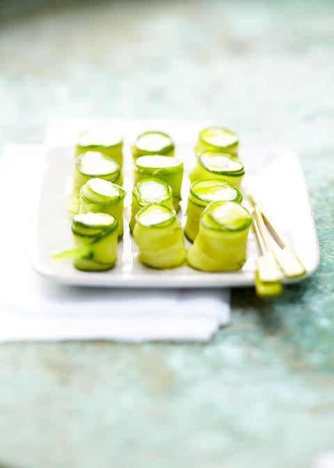I rotolini di zucchine e caprino sono la ricetta così facile da fare tutta estate e (quasi) ad occhi chiusi