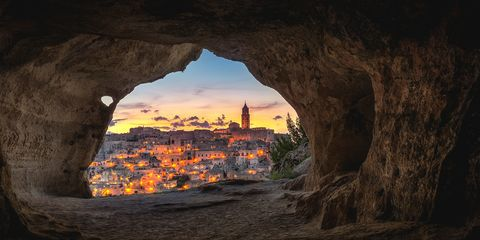 Formation, Arch, Sky, Rock, Architecture, Geological phenomenon, Cave, Landscape, Geology, World,