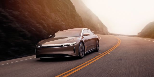 2022 lucid air front