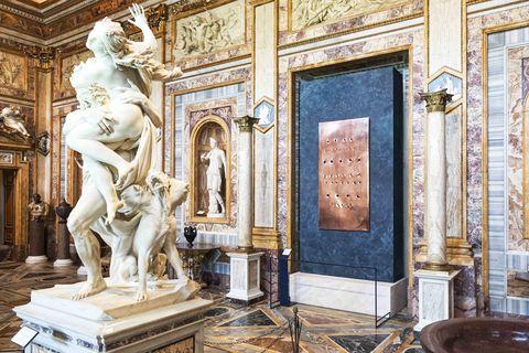 Lucio Fontana alla Galleria Borghese di Roma