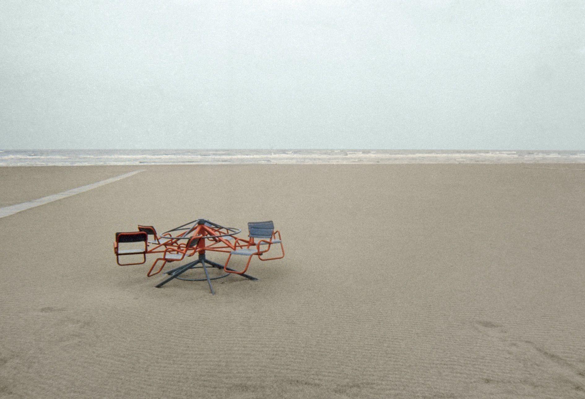 Luigi Ghirri, paesaggio, spiaggia di rimini