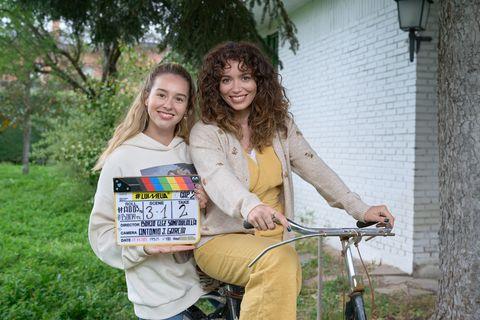 paula usero y carol rovira graban la cuarta temporada de luimelia