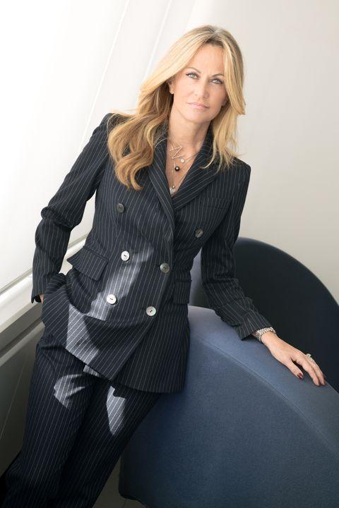 ec95563f8cb2c I vestiti eleganti di Luisa Spagnoli per il 2019