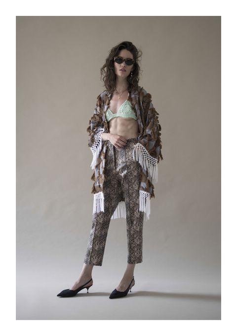 Clothing, Fashion, Brown, Fashion model, Beige, Leggings, Outerwear, Trousers, Waist, Shoulder,