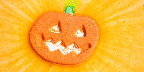 Calabaza, Orange, Winter squash, Pumpkin, Vegetable, Jack-o'-lantern, Food, Fruit, Cucurbita, Plant,