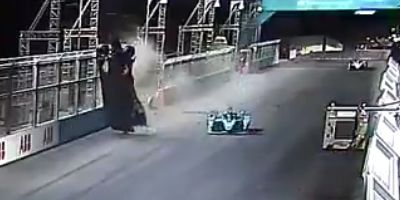Video of Alex Lynn's Scary Airborne Crash in Formula E Race at Diriyah, Saudi Arabia