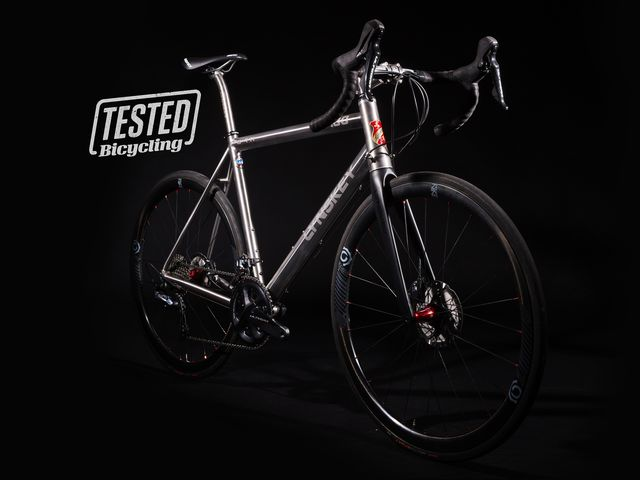 e1ab831b02a Lynskey's R480 Is a Forever Race Bike for the Powerful Rider