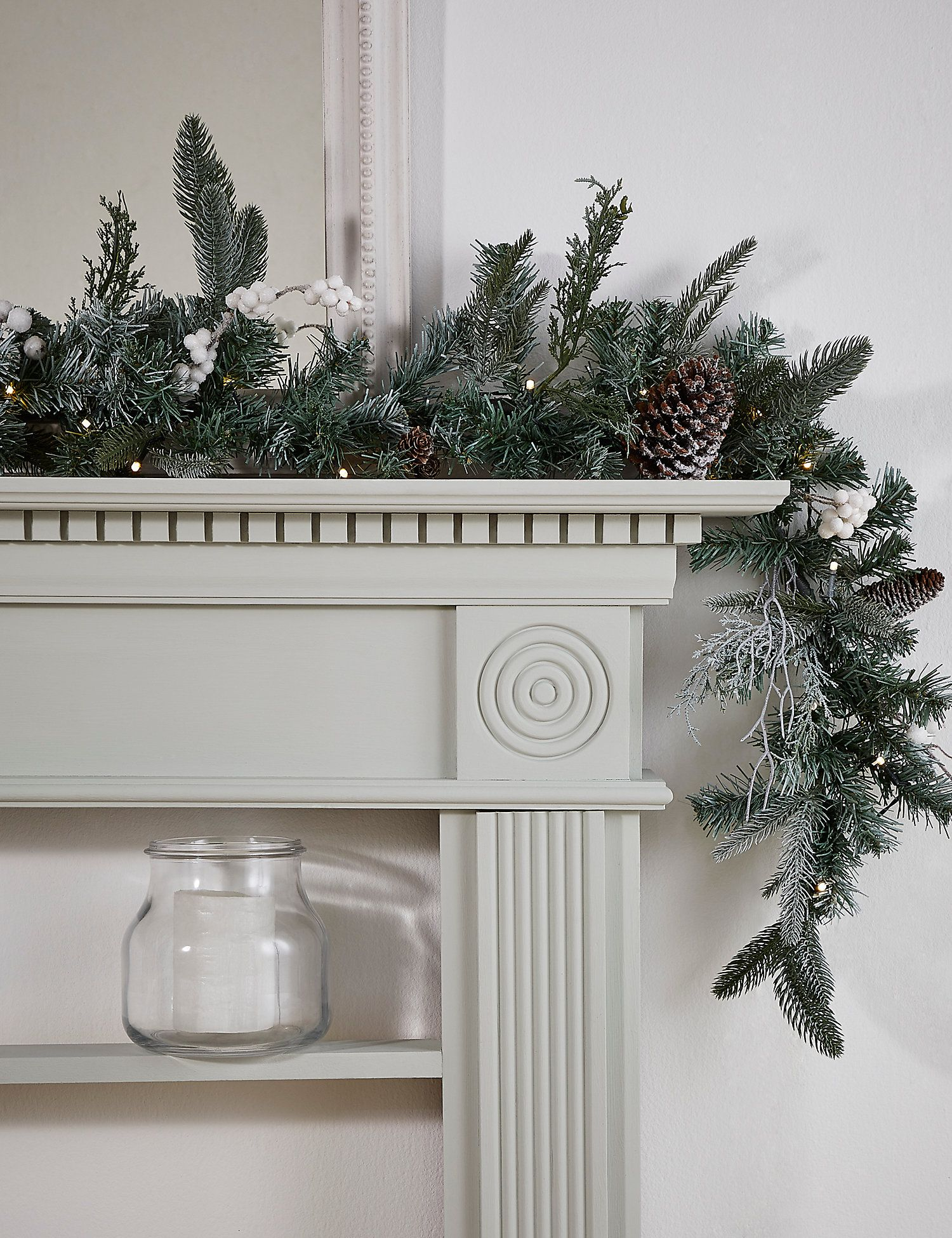 17 Christmas garlands to buy for your home