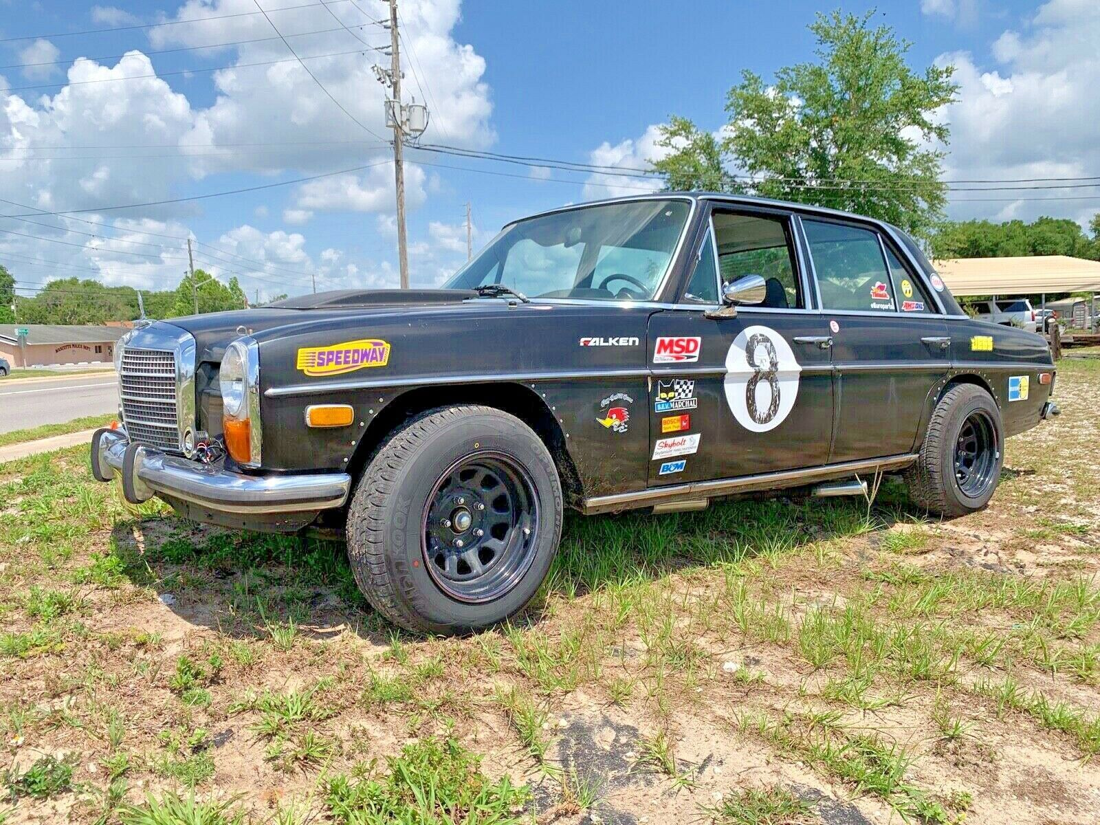 Conquer Your Local Sand Dunes With This V-8-Powered Safari Mercedes