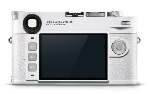 Leica推出聖誕節「雪白徠卡相機」全球限定350台!超夢幻M10-P懷舊相機+背帶,每個細節都美哭了