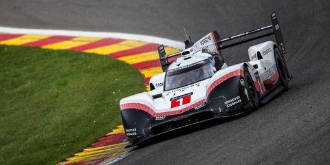 Race of champions, Race track, Vehicle, Motorsport, Sports car racing, Formula one, Formula libre, Race car, Racing, Car,