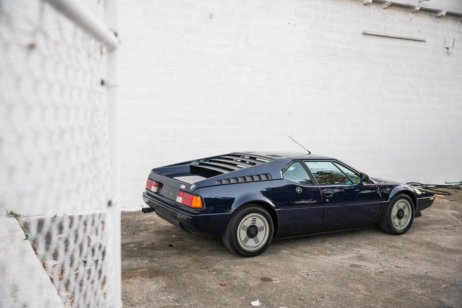 This 8000 Mile Bmw M1 Can Be Yours For Just 658 000