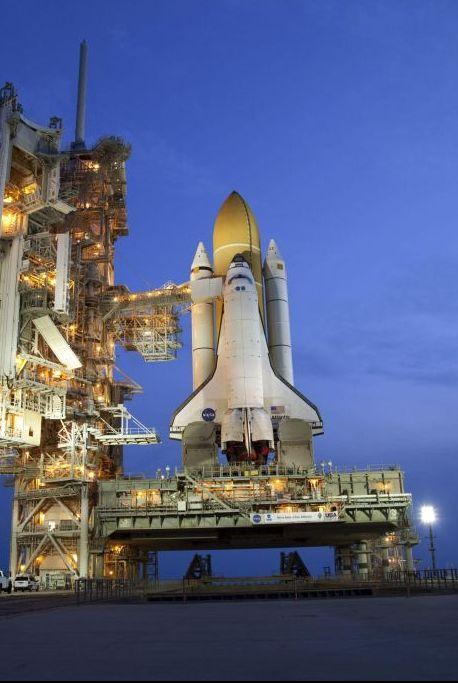space shuttle, Landmark, Sky, Spacecraft, Architecture, Vehicle, Night, Space, Industry, Spaceplane,