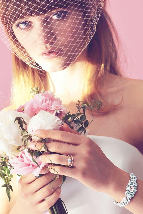 Hair, Headpiece, Hair accessory, Beauty, Pink, Skin, Veil, Hairstyle, Bridal accessory, Bridal veil,