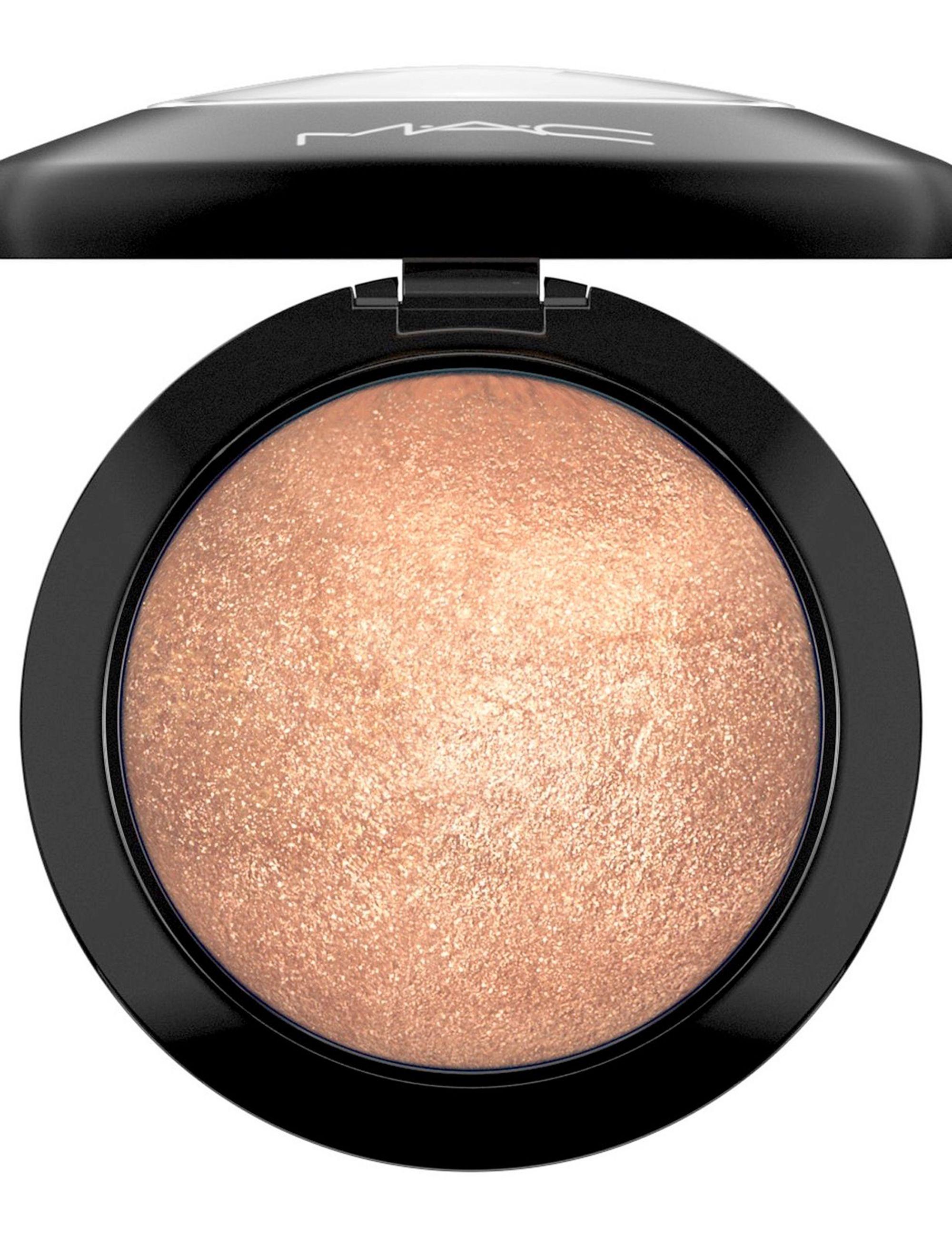 iQ Natural Mineral Makeup Starter Kit – Powder Brush, Silk Primer, Mineral Foundation, Setting Veil, Bisque Concealer, Bronzer + Eye Shadow for Flawless Bare Looking Skin, Full Set (Fair).