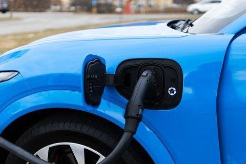 2021 ford mustang mach e charging