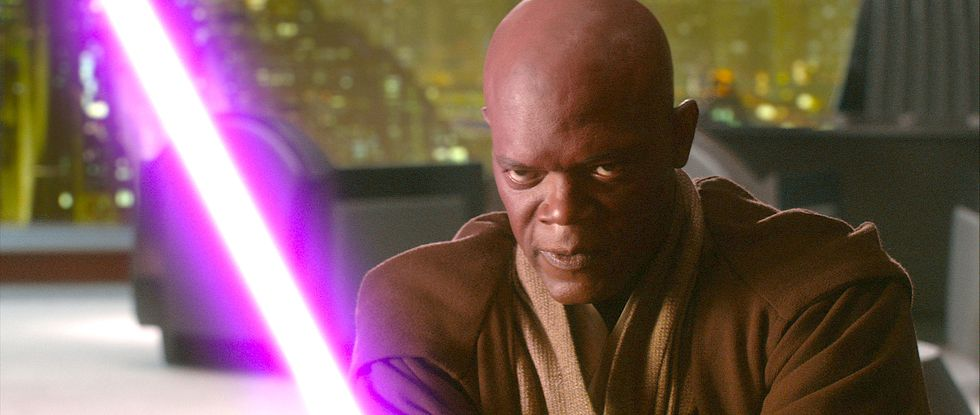 This <em>Star Wars</em> Fan Theory Says Mace Windu Will Return in <em>The Mandalorian</em>