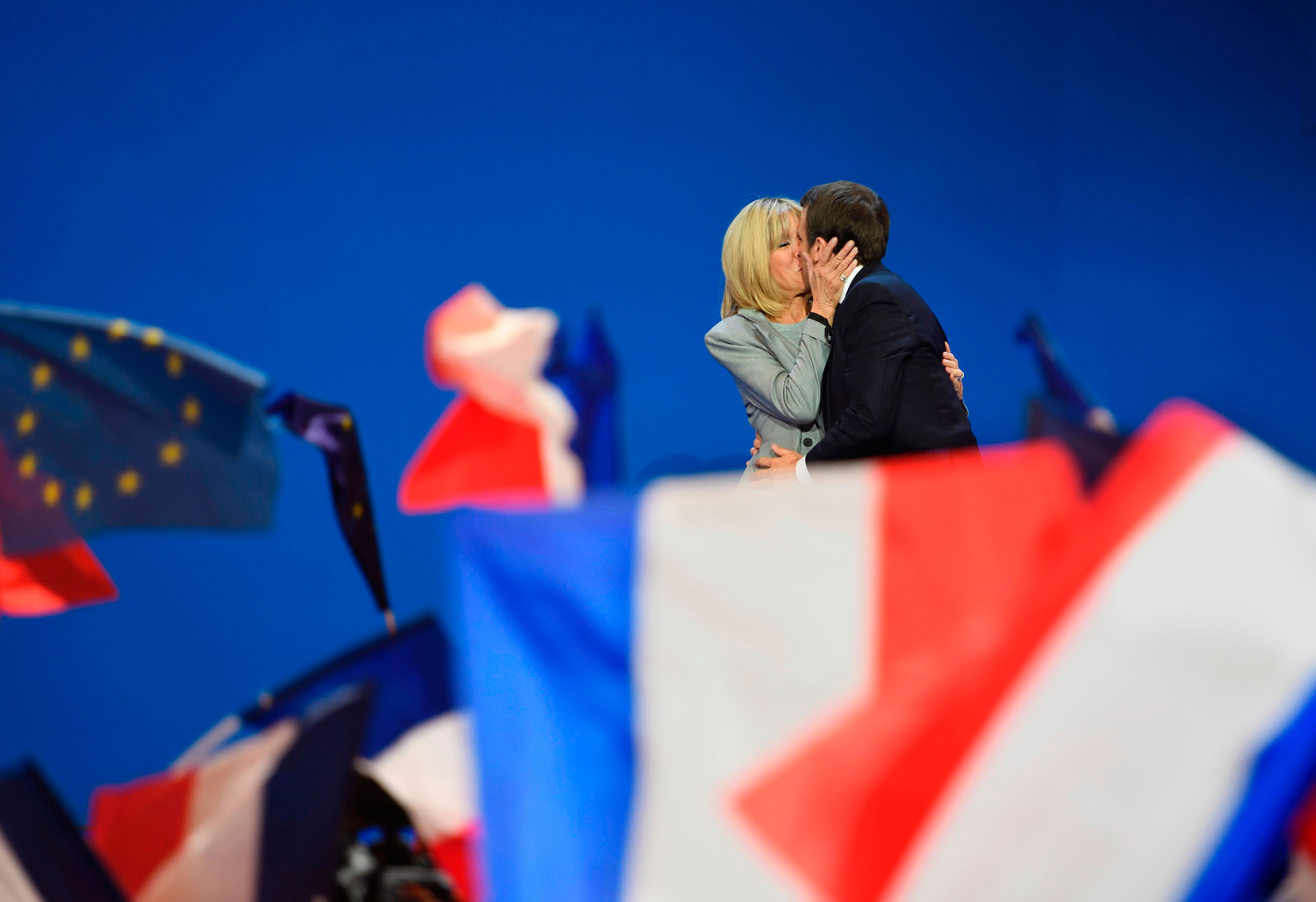 Brigitte Macron Emmanuel Macron Love Story Brigitte Trogneux S Age Difference With The French President
