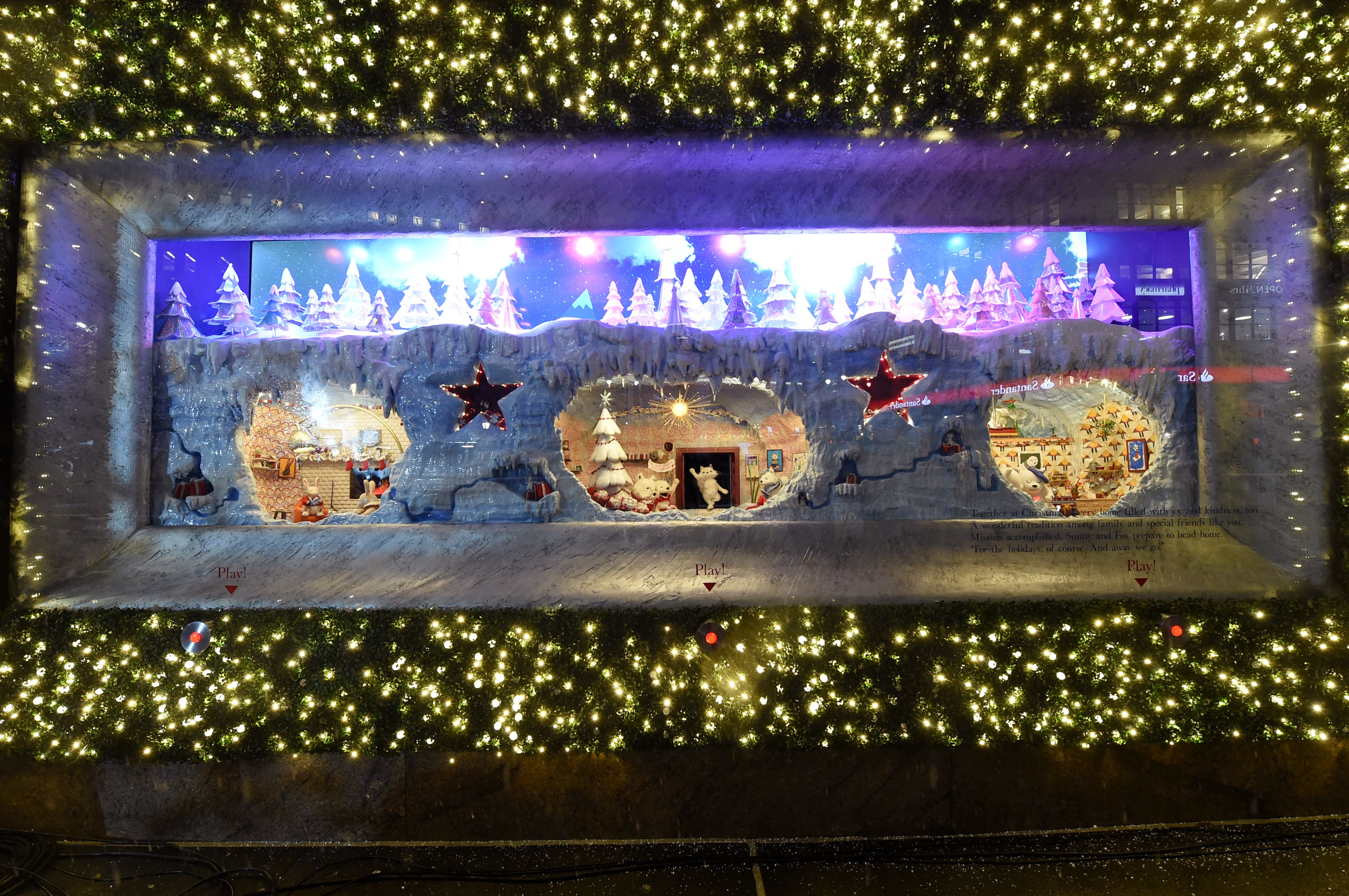 The Best Christmas Windows in NYC - Holiday Window Displays to Visit ...