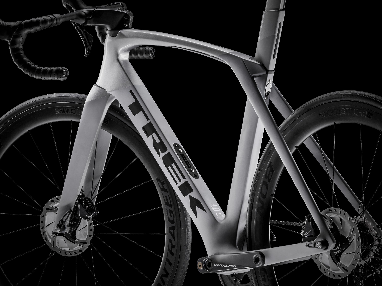 cf7ba881a2e 2019 Trek Madone Gets Disc Brakes   Trek Road Bikes