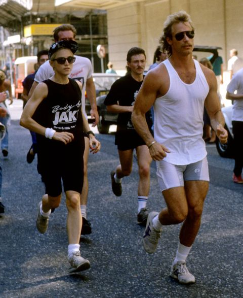 Madonna jogging with personal trainer and bodyguards - August 15th 1987