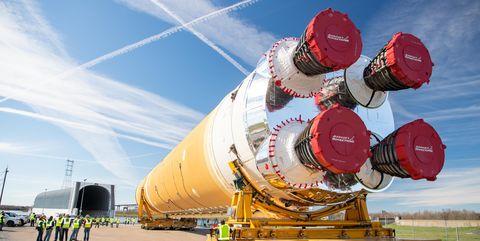 Transport, Sky, Mode of transport, Aerospace engineering, Vehicle, Cargo, Landscape, Space,