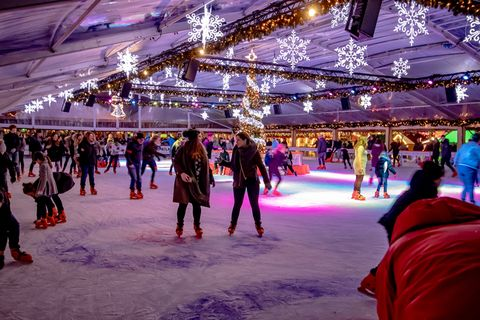 Ice rink, Ice skating, Skating, Winter, Ice, Recreation, Building, Fun, Ice skate, Winter sport,