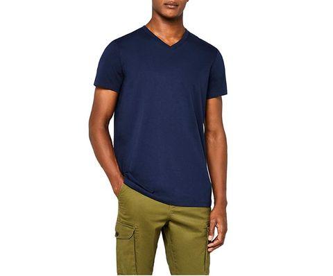 b6f82f881f 10 magliette con lo scollo a V da usare per tutta l'estate