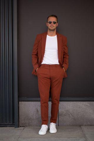 huge discount f9dad 49185 Magliette uomo: 7 outfit moda estate 2018