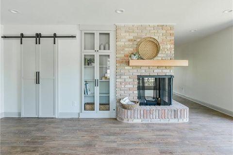 Floor, Property, Room, Furniture, Interior design, Wall, Wood flooring, Building, Flooring, House,