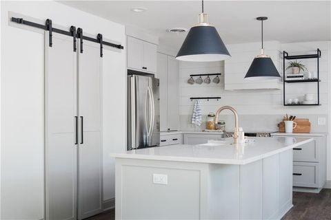 Room, White, Property, Furniture, Kitchen, Countertop, Cabinetry, Interior design, Ceiling, Lighting,