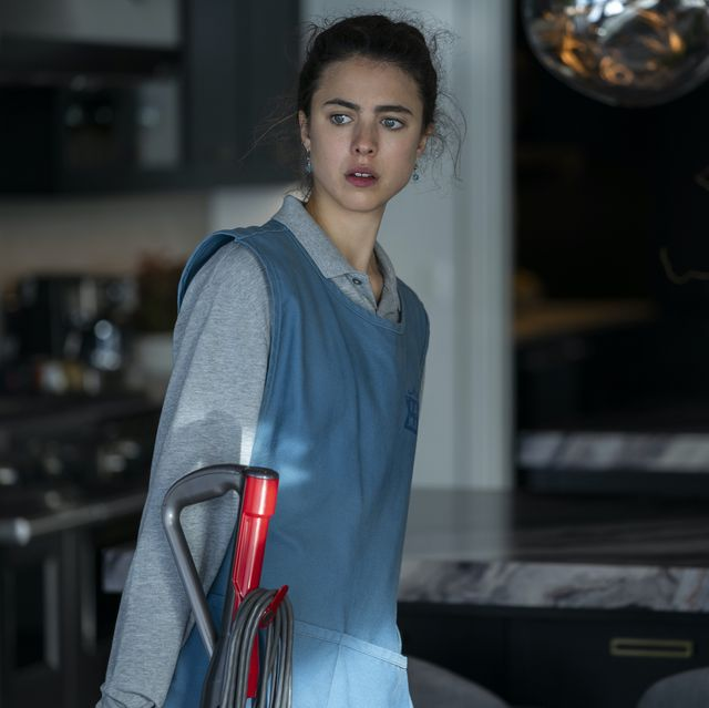 maid l to r margaret qualley as alex in episode 101 of maid cr ricardo hubbsnetflix © 2021