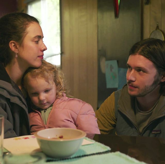 maid l to r margaret qualley as alex, rylea nevaeh whittet as maddy, and nick robinson as sean in episode 108 of maid cr courtesy of netflix © 2021