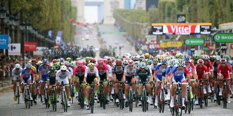 Land vehicle, Cycle sport, Road cycling, Road bicycle racing, Vehicle, Cycling, Bicycle racing, Bicycle, Bicycle helmet, Bicycle clothing,