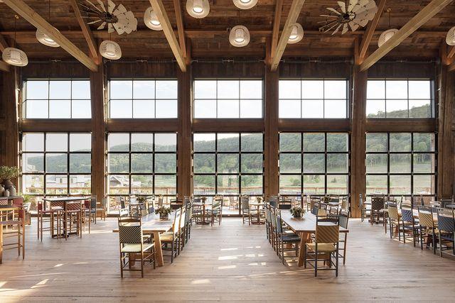 the barn dining room at silo ridge field club