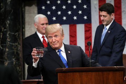 トランプ、ドナルド・トランプ、水、トイレの水、水量規制、政治、アメリカ、米国、ニュース