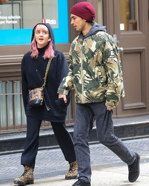 Maisie Williams (Arya Stark) and Reuben Selby Earlier this year, the rumored couple was spotted getting cozy in New York City during Fashion Week.