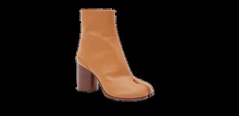 Footwear, Boot, Tan, Shoe, Brown, Yellow, Beige, Leather, Joint, Leg,