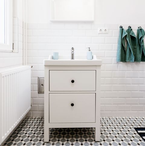 10 ways to make your bathroom feel bigger